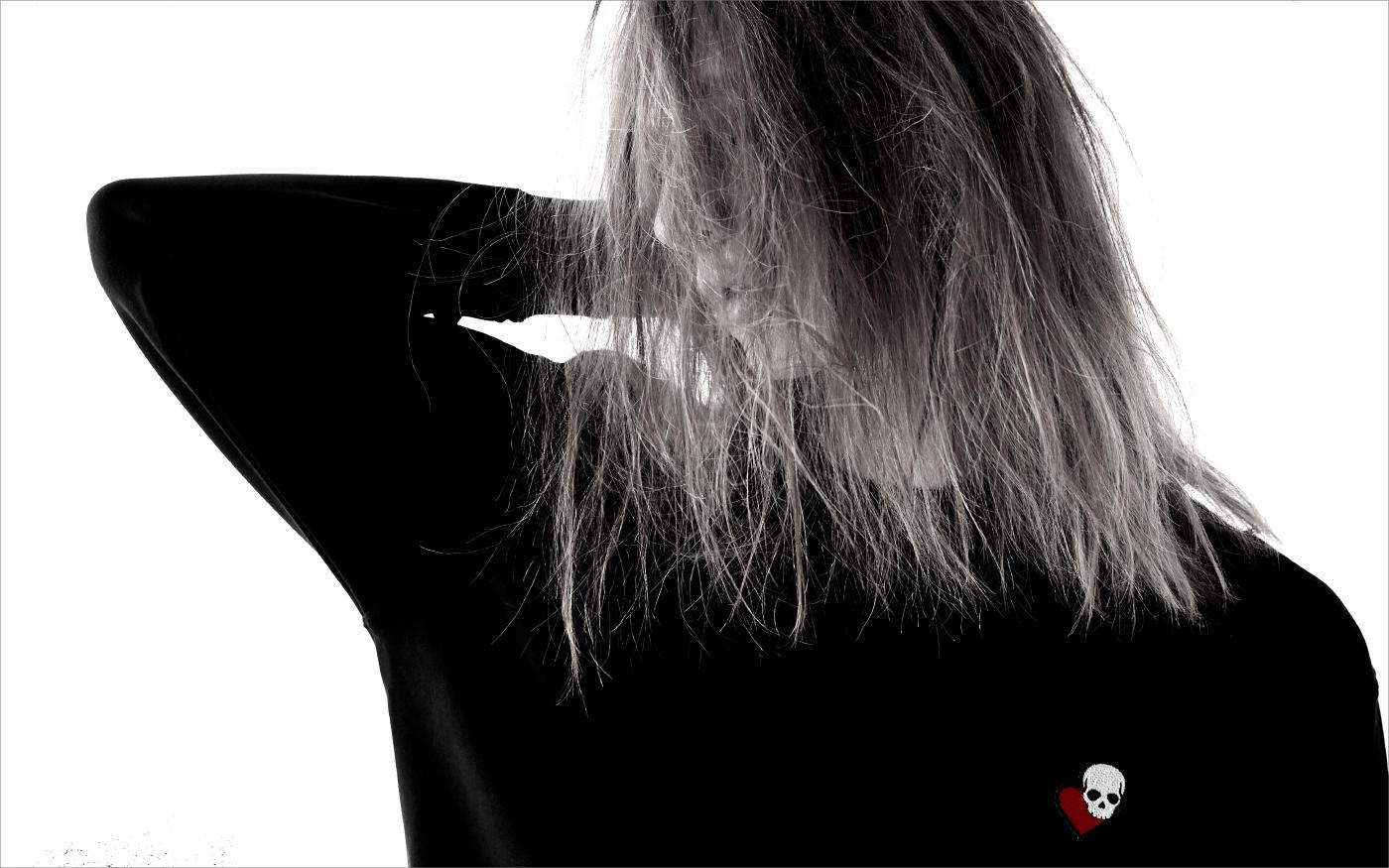 LOVELESSの新たなポップアイコン「LOVE SKULL」
